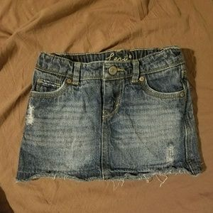 Like new! Levis distressed denim skirt skort
